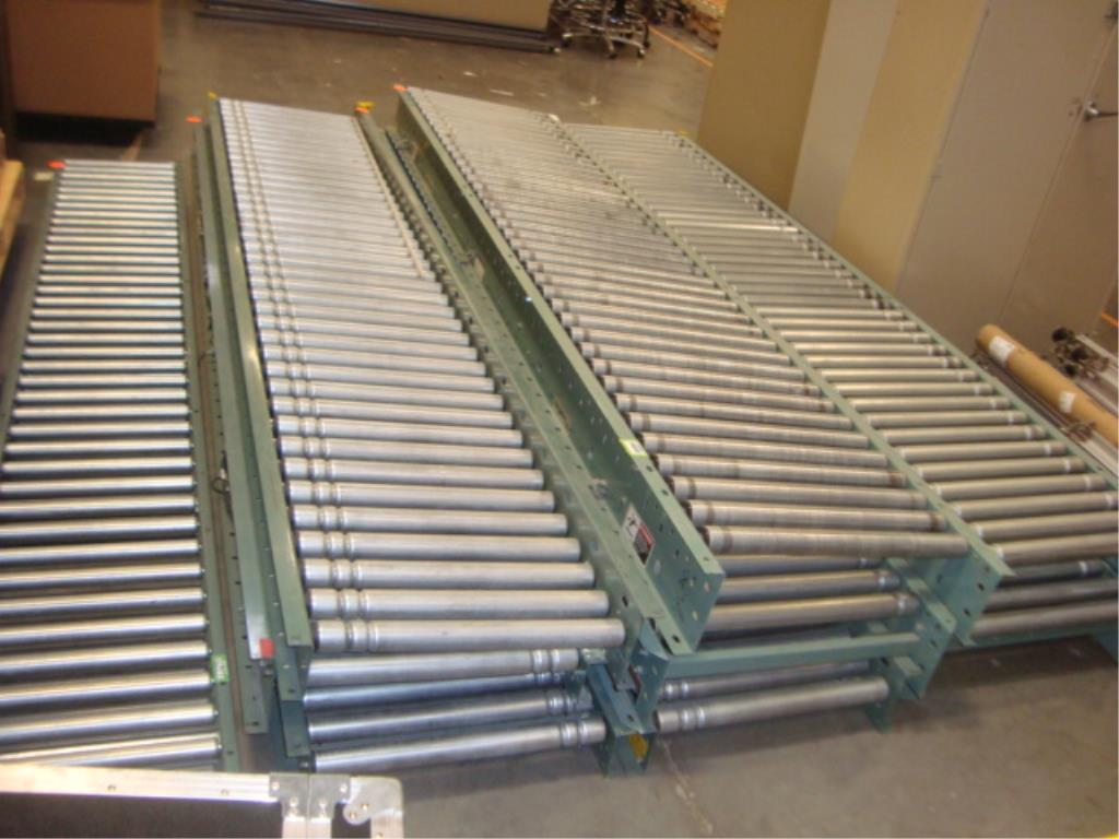 Lot 157 - Roller Conveyor