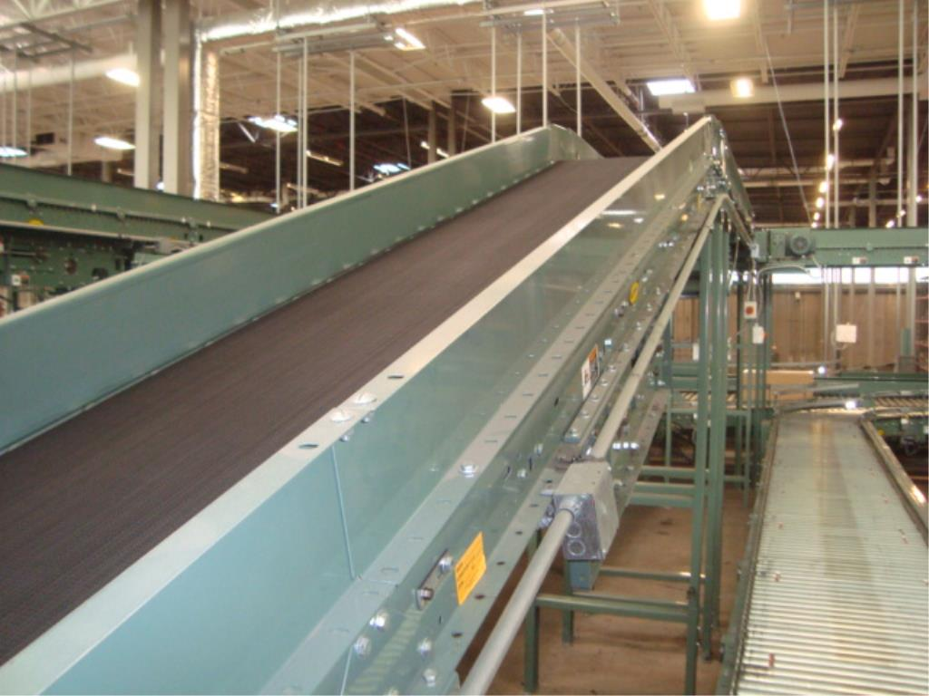 Lot 176 - Powered Conveyor