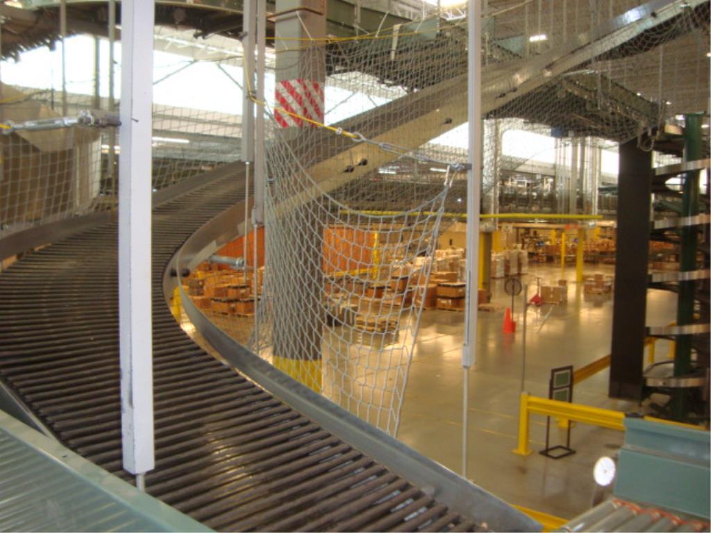 Lot 207 - Suspended Inclining Belt Conveyor