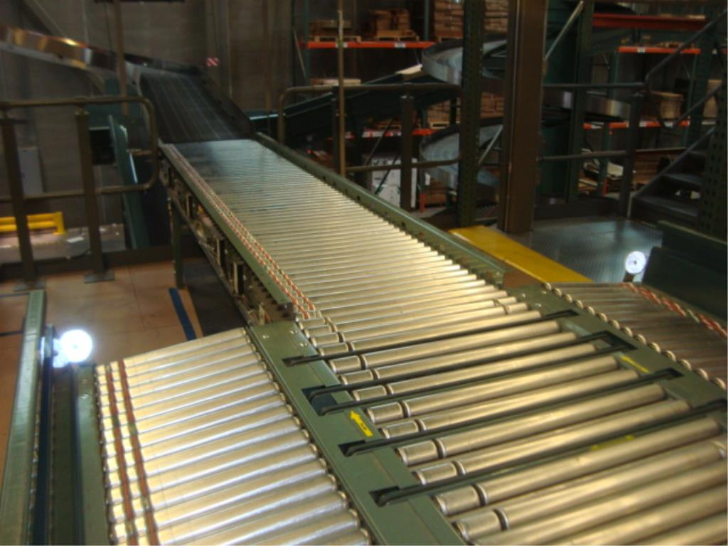Lot 220 - 3-Lane Conveyor
