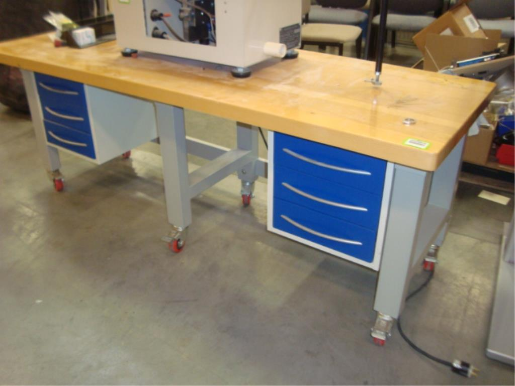 Lot 156 - Mobile Worktable