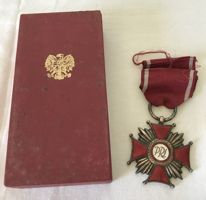 Lot 53 - A Polish Cross of Merit silver award, with box and certificate.