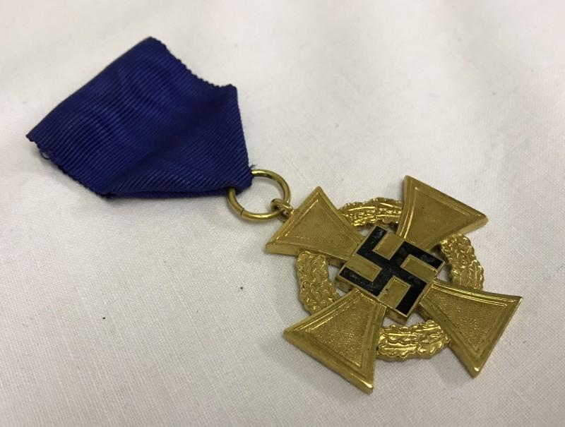 Lot 36 - A German WWII Faithful Service Cross.