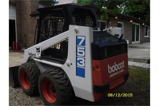 Melroe Bobcat Skid Steer Loader Model 753, S/N 512720472, Diesel