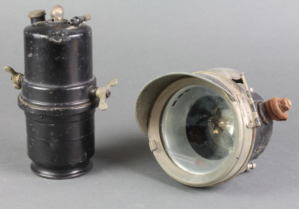 A Lucas King of the Road carbide acetylene motorcycle head lamp ...