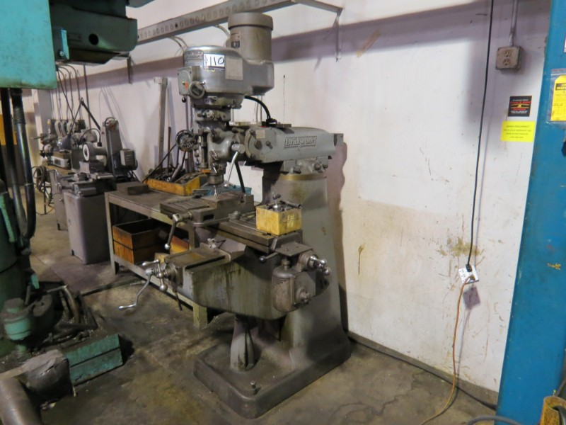 """Lot 32 - *Must be paid & picked up by 1/18/19* Bridgeport 9"""" X 42"""" Variable Speed Vertical Mill"""