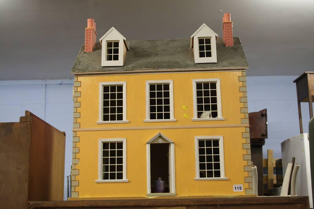 Lot 115 - Dolls house