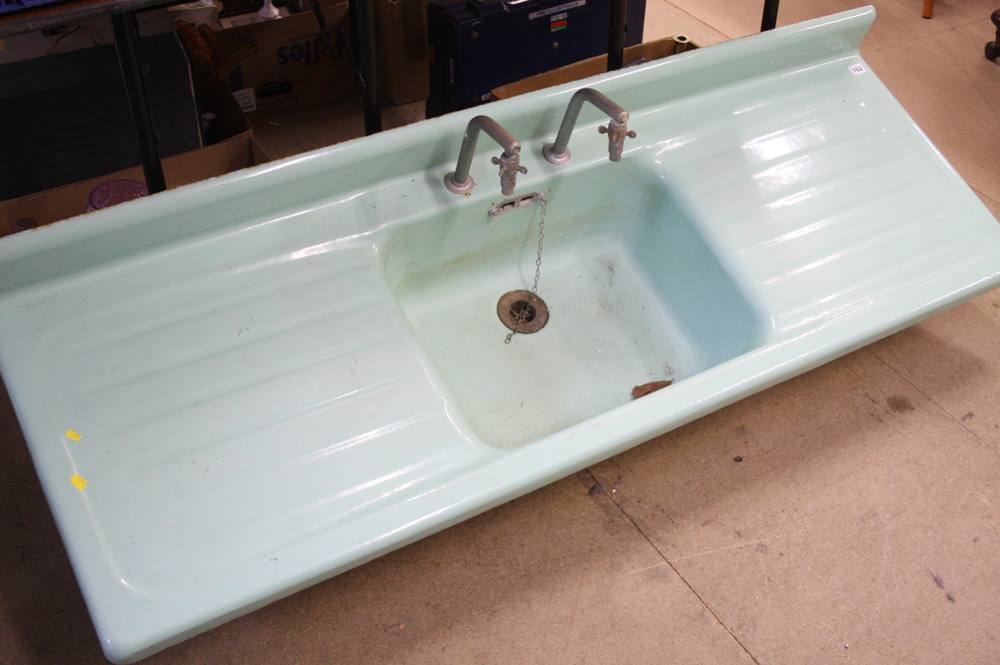 Lot 102 - Enamelled cased iron sink