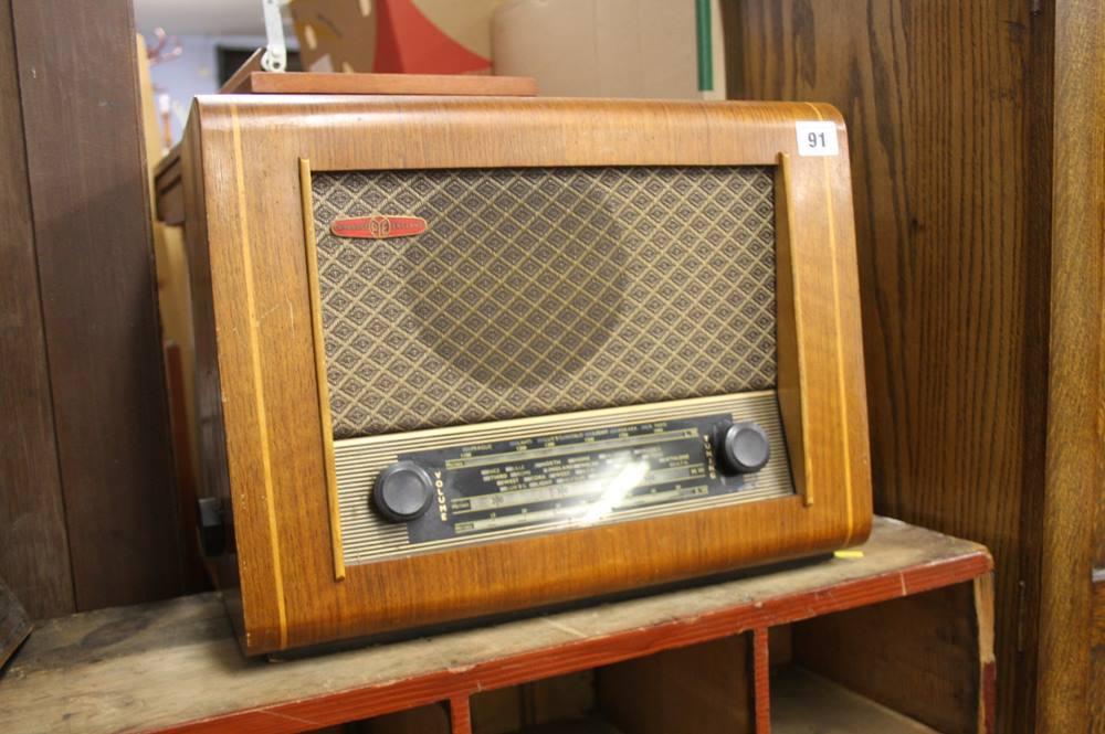 Lot 91 - PYE radio