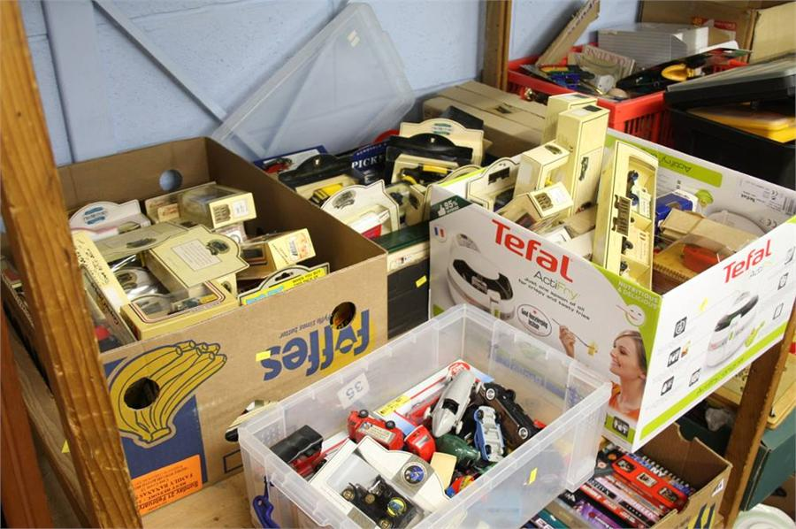 Lot 165 - Large collection of Die Cast model cars