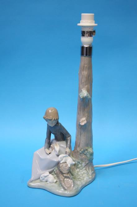 Lot 81 - A Nao table lamp