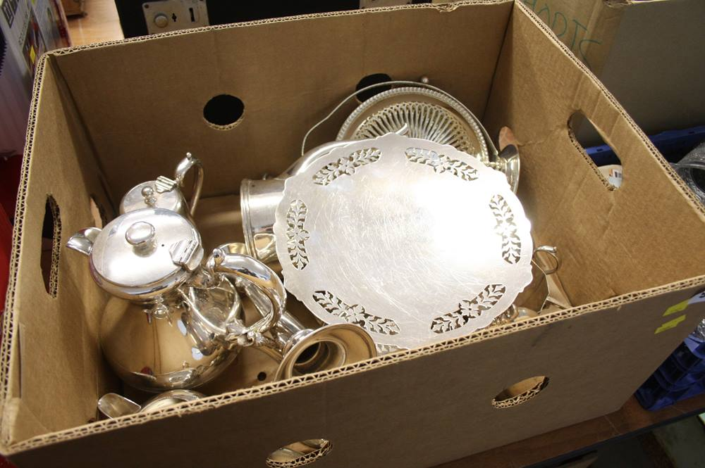 Lot 98 - Quantity of silver plated items