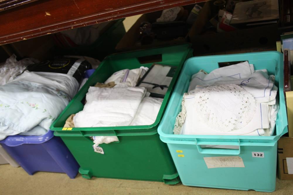 Lot 132 - 4 boxes assorted linen etc.