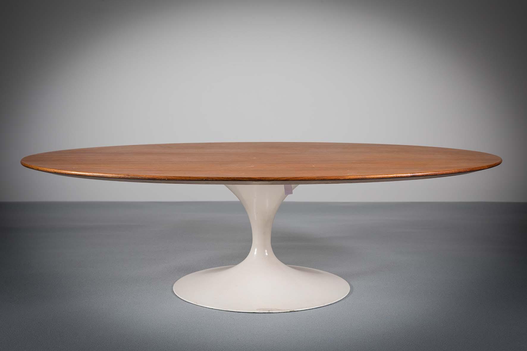 Lot 6 - TULIP TABLE by Eero Saarinen