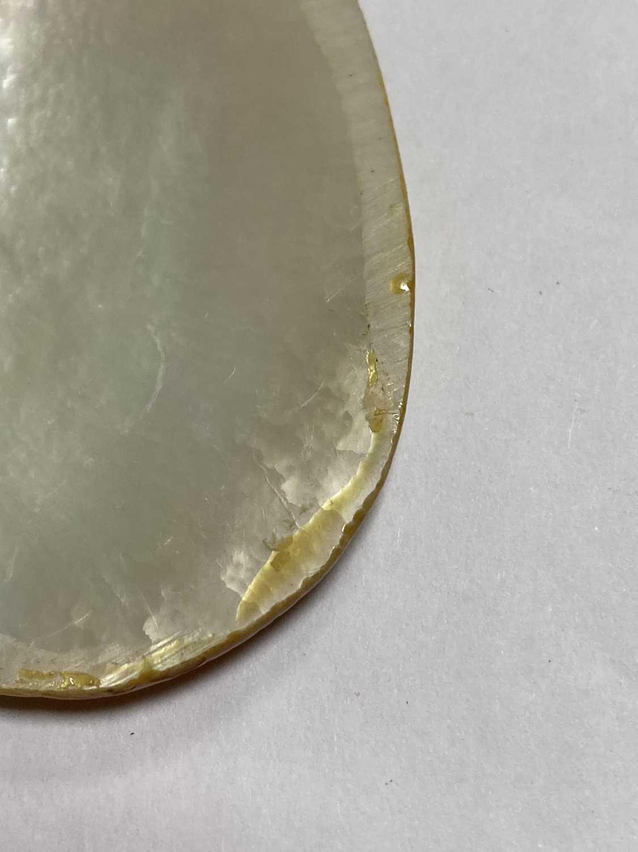 A Persian hand painted miniature pendant, - Bild 4 aus 8
