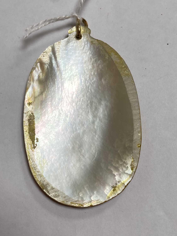 A Persian hand painted miniature pendant, - Bild 2 aus 8