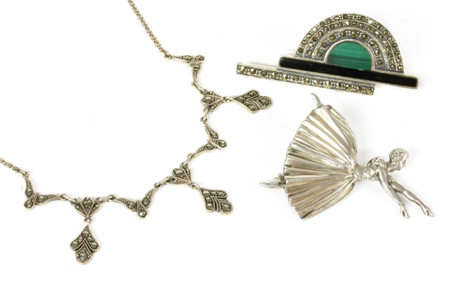 A collection of Art Deco and later costume jewellery, - Bild 2 aus 3