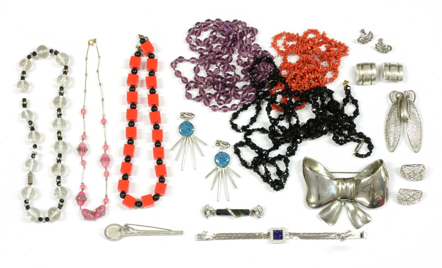 A collection of Art Deco and later costume jewellery, - Bild 3 aus 3
