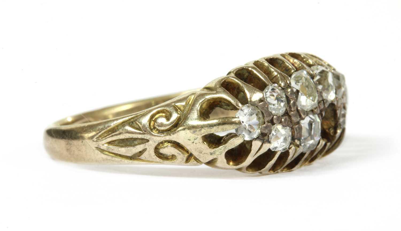 A gold boat shaped diamond ring, - Bild 2 aus 3