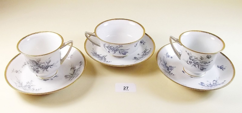Lot 27 - Three Worcester Flight, Barr & Barr 'Etruscan' shape cups and saucers (two coffee and one tea) circa