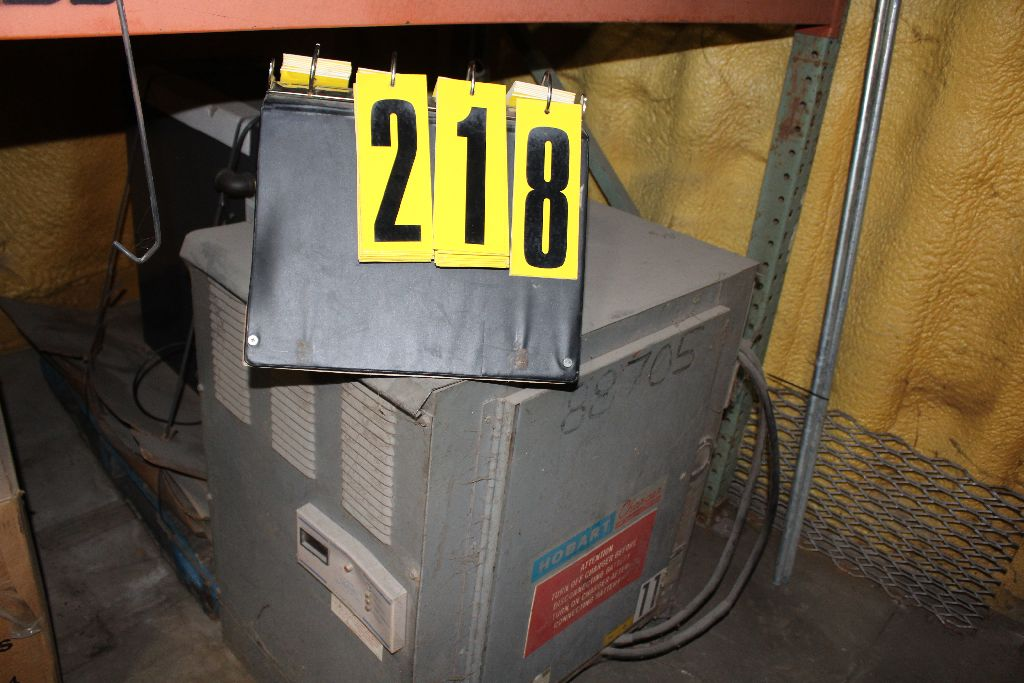 Hobart charger, model 3R-18960, sn 8TRY-7547, 48 v., 208/230.