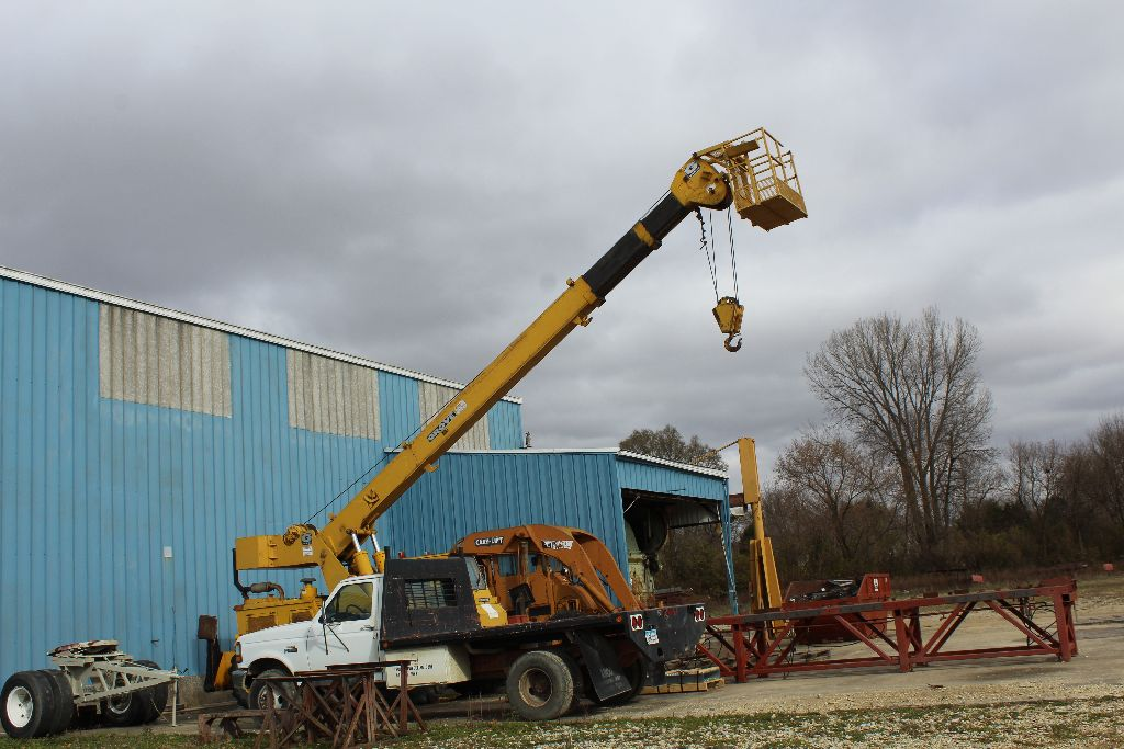 Grove crane, model RT58/58A, sn 21517, hrs. on meter 4,956, rubber tire, outriggers, diesel power, - Image 9 of 9