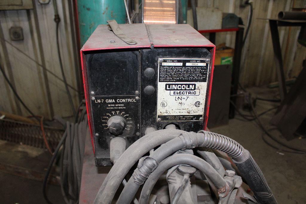 Lincoln welder CV300, sn U5980402048. - Image 3 of 5