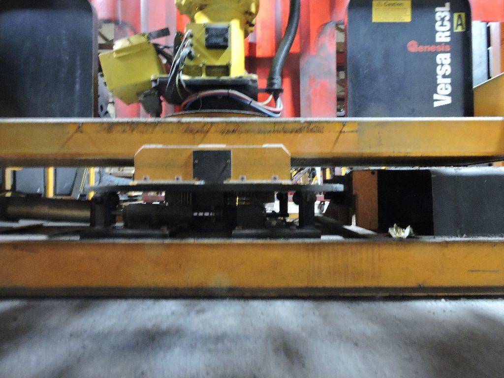 Wire welding Robot Genesis Versa RC3L, sn U1951012056, Fanuc Arc mate 100, Fanuc Sustem R-J2 - Image 28 of 32