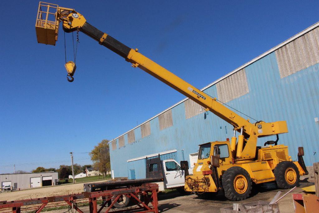 Grove crane, model RT58/58A, sn 21517, hrs. on meter 4,956, rubber tire, outriggers, diesel power,