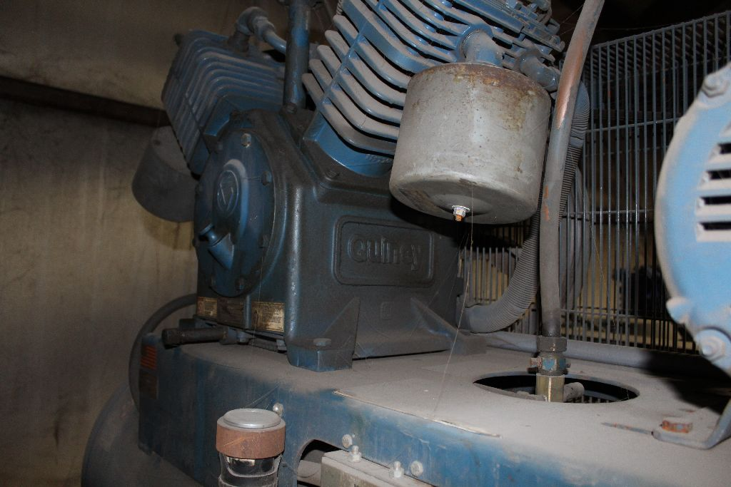 Quincy QT-15 air compressor, 15 hp., twin stack tanks, 2 cyl. - Image 4 of 6