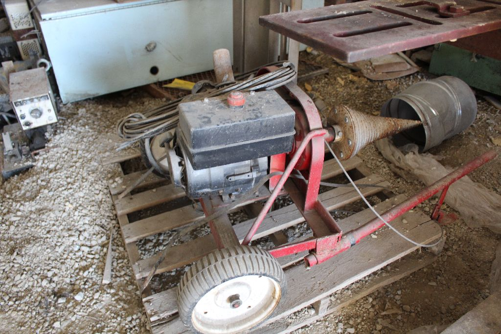 Gas power cork screw log splitter. - Image 4 of 4