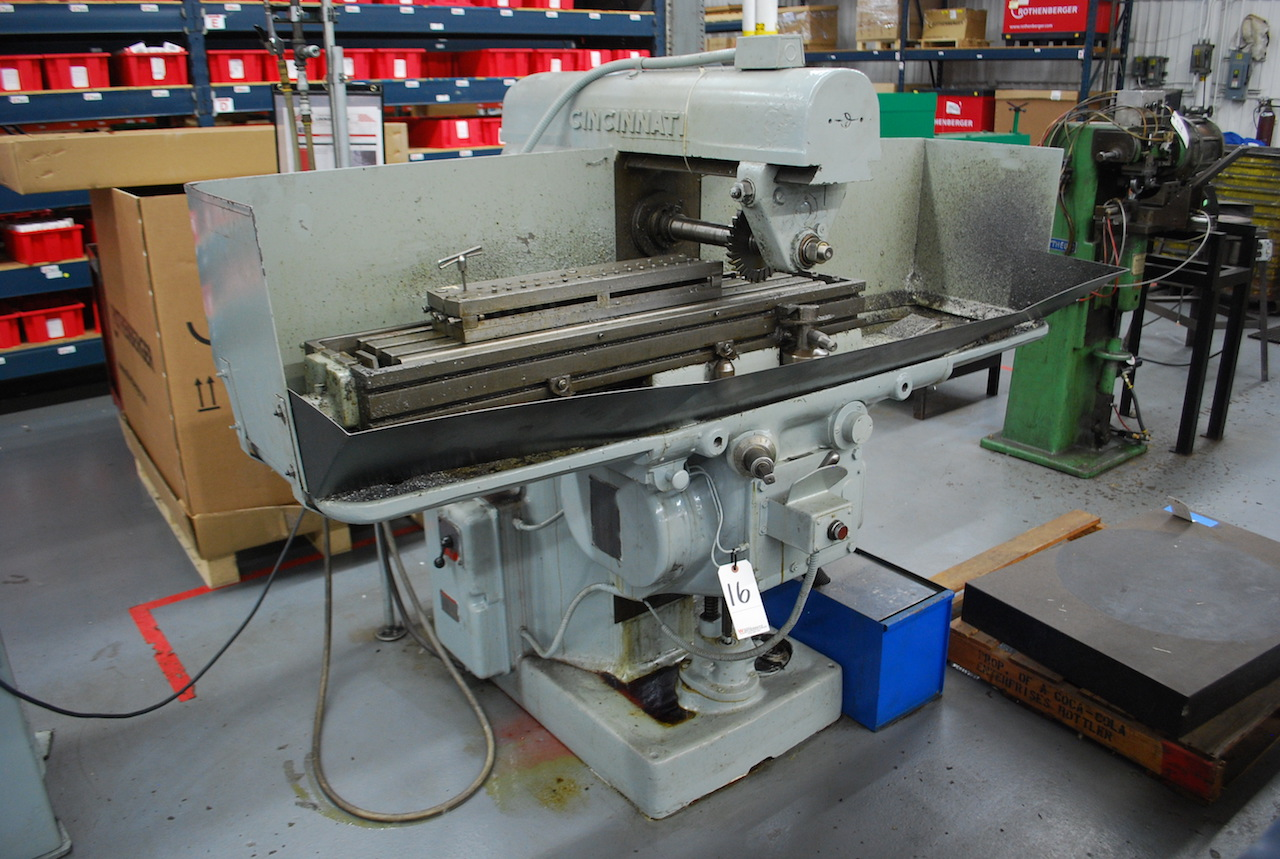 "Lot 16 - CINCINNATI HORIZONTAL MILLING MACHINE: S/N D6110-1; 10"" X 41"" T-SLOT TABLE; 50-1500 RPM; COOLANT"
