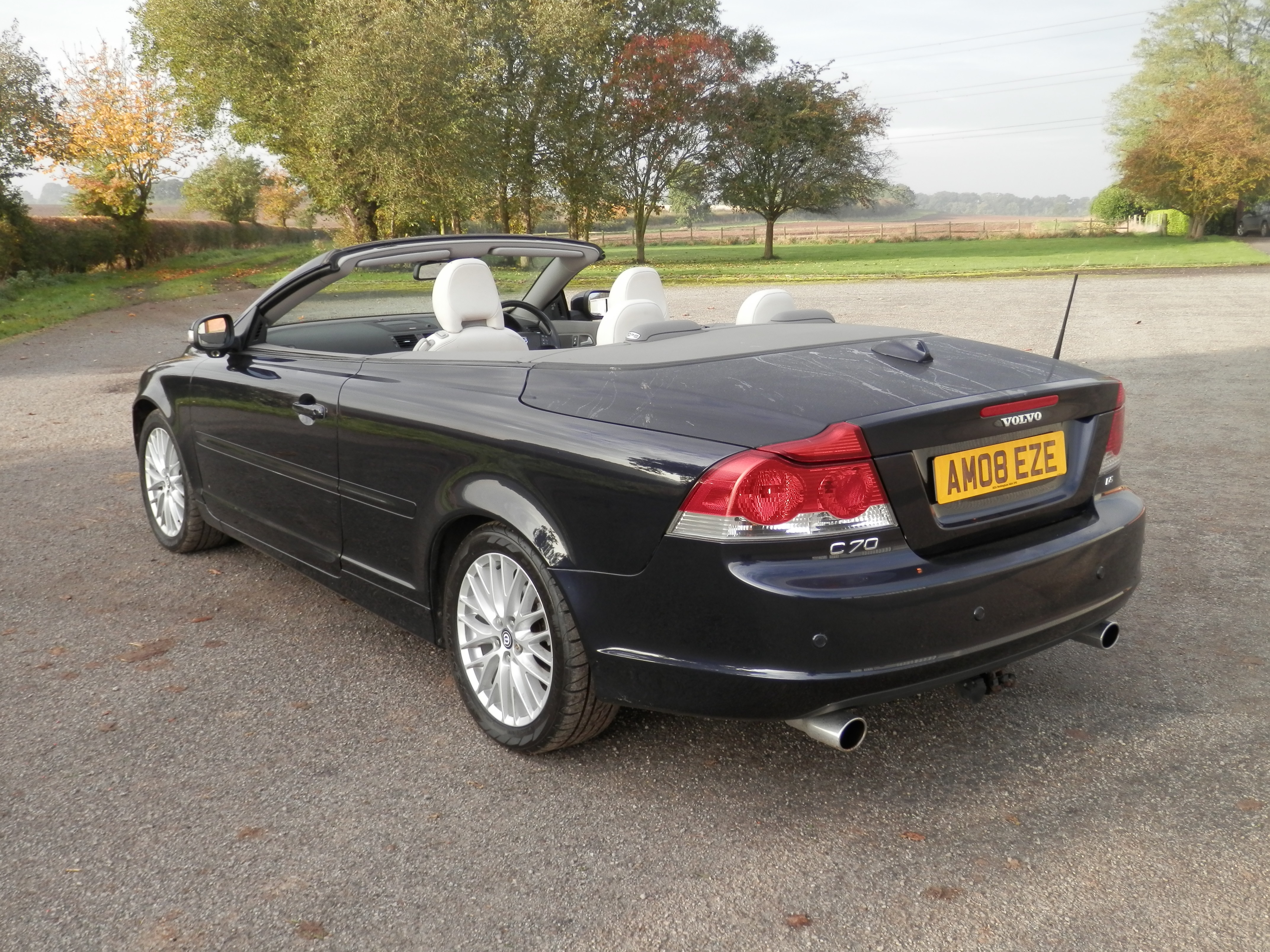 2008 08 volvo c70 se lux d5 diesel auto convertible mot may 2017 only 102k miles 180 bhp. Black Bedroom Furniture Sets. Home Design Ideas