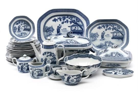Auction date  sc 1 st  The Saleroom & DINNER SET in Portuguese Vista Alegre porcelain marked nr. 36 (1980 ...