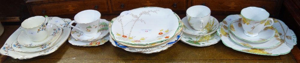 Lot 19 - A COLLECTION OF 1930S TEAWARE