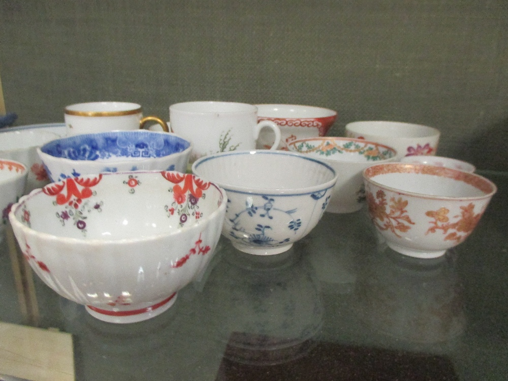 Lot 126 - A quantity of 18th century Chinese & European tea bowls and other ceramics