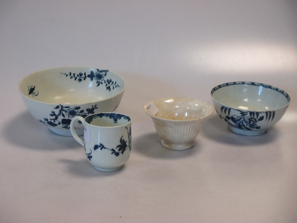 Lot 112 - A late 18th Worcester blue & white cup together with a slop bowl and other items (4)