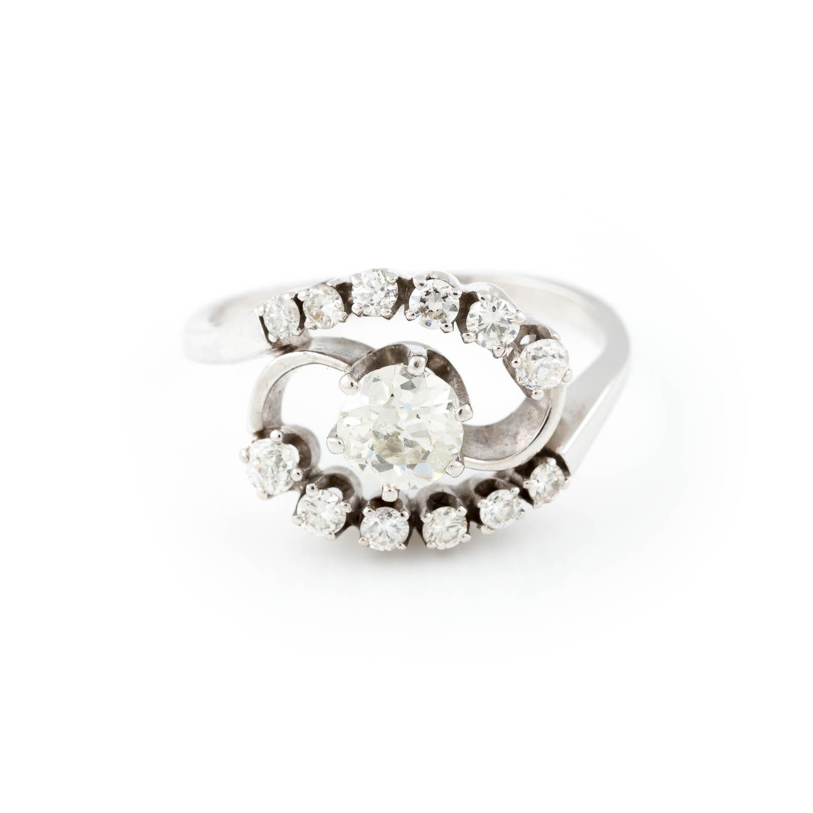 DIAMANT-RING Weißgold. Ringmaß ca. 56, Ges.-Gew. ca. 5,3 g. Gest. 585. Ein Diamant im Altschliff,
