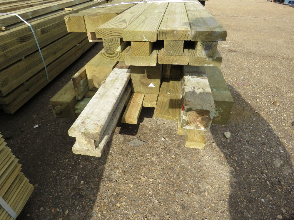2no. Pallets containing assorted posts and timber - Image 2 of 4