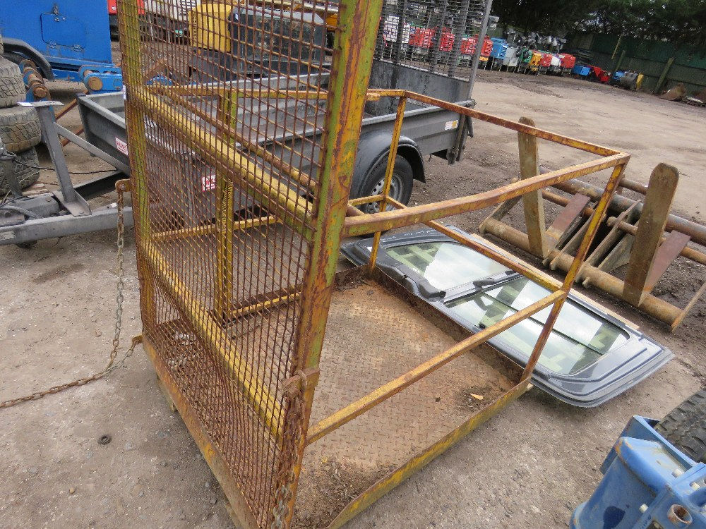 Forklift mounted man cage, untested - Image 2 of 4