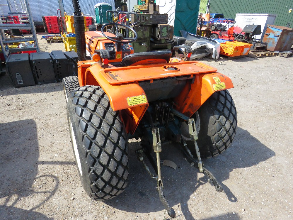 KUBOTA B1600 4WD COMPACT TRACTOR ON GRASS TYRES WITH REAR LINKAGE, NO VAT ON HAMMER PRICE - Image 2 of 6