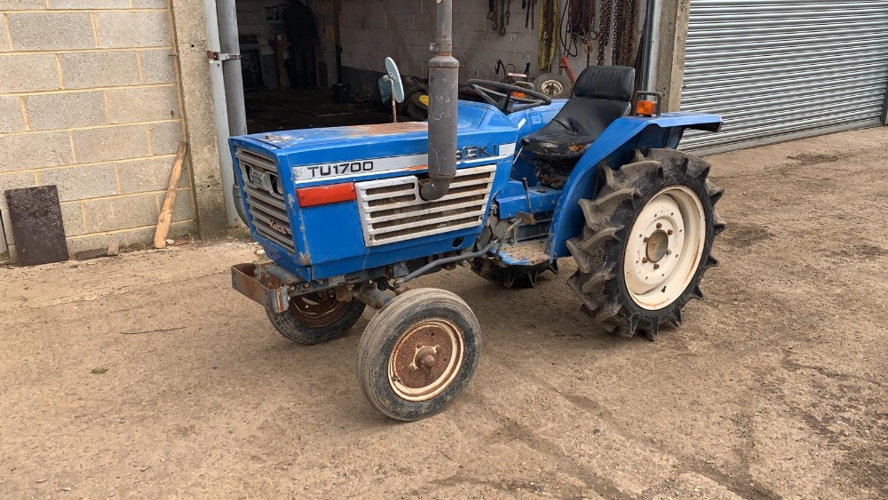 ISEKI TU1700 COMPACT TRACTOR, 2WD, RECENT REAR TYRE REPLACEMENT. VENDOR'S NOTES: THIS IS NOT A NEW