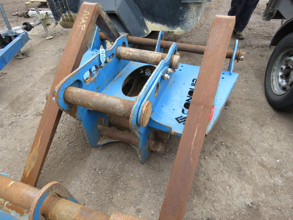 SET OF CONQUIP EXCAVATOR MOUNTED PALLET FORKS, UNTESTED - Image 3 of 4