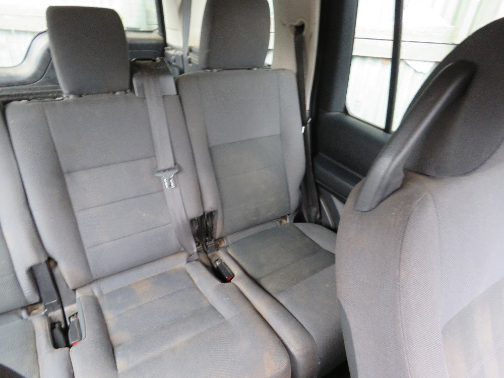 LANDROVER DISCOVERY 3 4X4 CAR, 7 SEATS, AUTOMATIC, - Image 6 of 7
