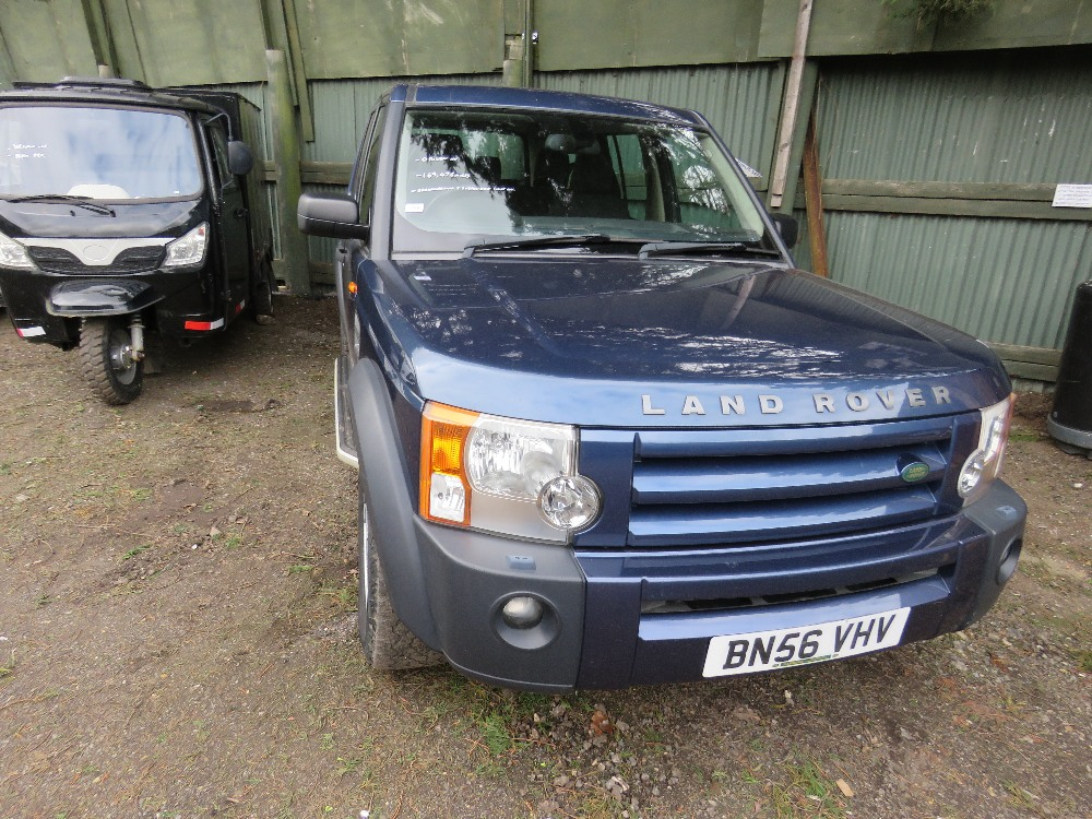 LANDROVER DISCOVERY 3 4X4 CAR, 7 SEATS, AUTOMATIC, - Image 2 of 7