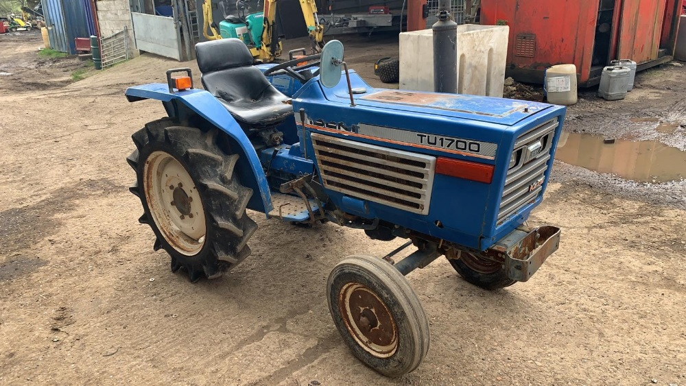 ISEKI TU1700 COMPACT TRACTOR, 2WD, RECENT REAR TYRE REPLACEMENT. VENDOR'S NOTES: THIS IS NOT A NEW - Image 2 of 4