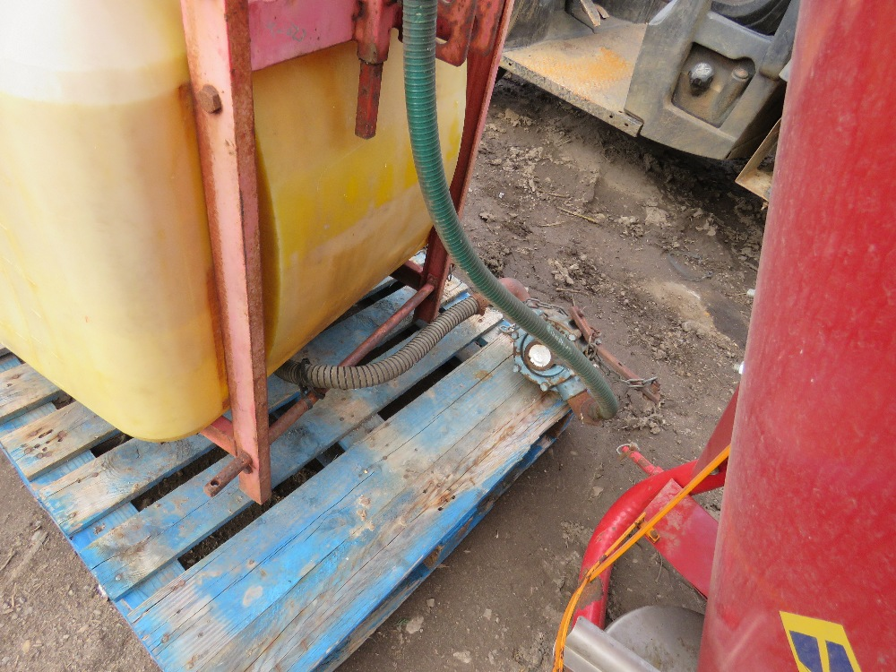 Small compact tractor mounted sprayer, 15ft approx. boom - Image 3 of 3