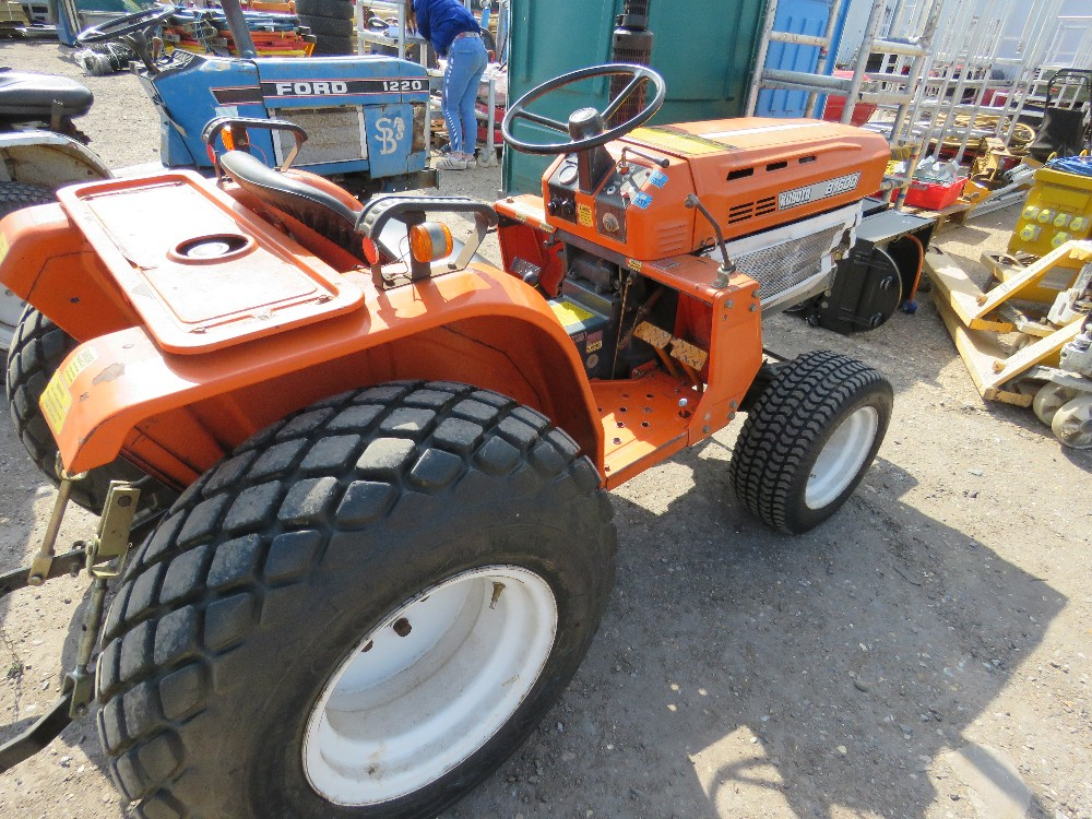 KUBOTA B1600 4WD COMPACT TRACTOR ON GRASS TYRES WITH REAR LINKAGE, NO VAT ON HAMMER PRICE - Image 3 of 6
