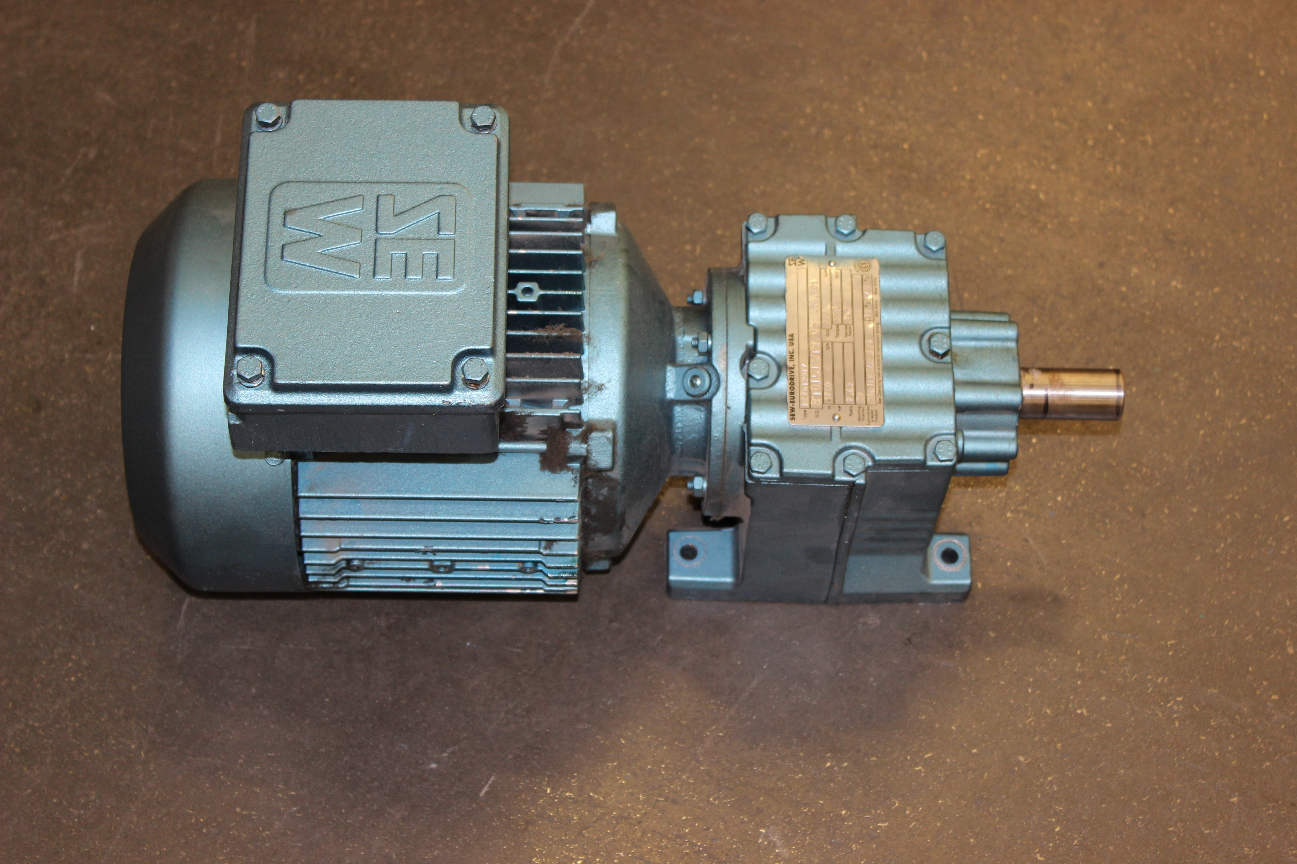 Sew eurodrive 2 hp motor with gearbox type dft98l4 volts for 2 hp motor current
