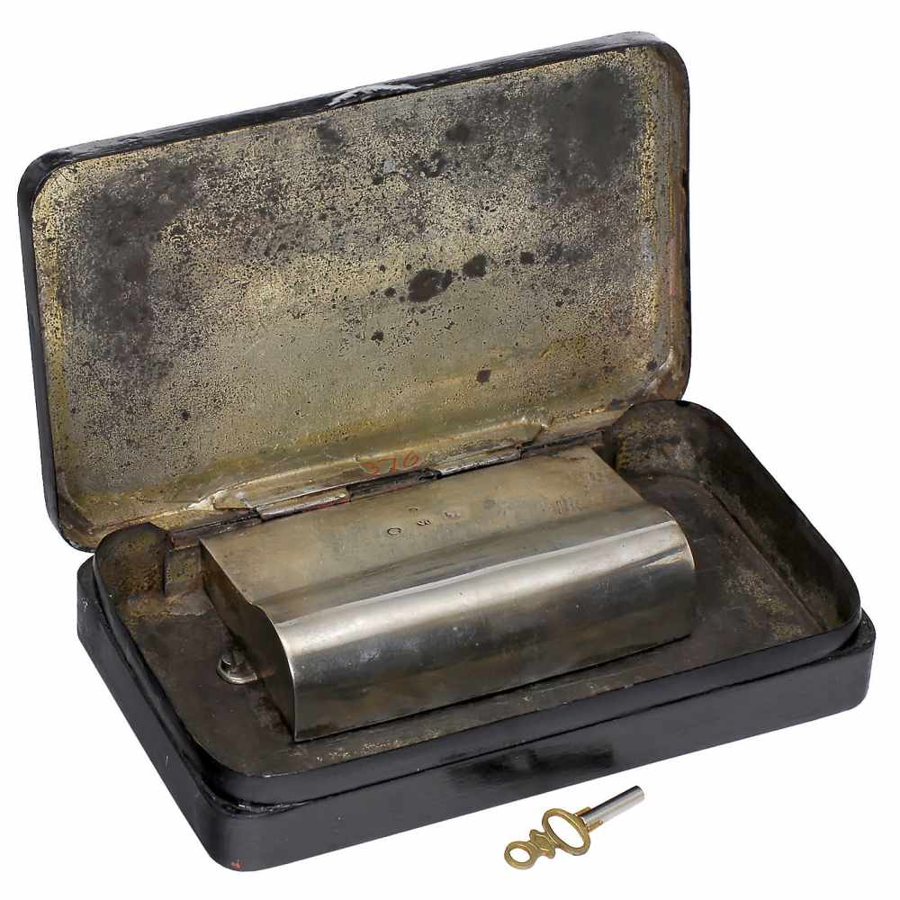 Lot 19 - Musical Tobacco Box, c. 1830No. 376, playing two airs, with sectional comb in 22 groups of 3